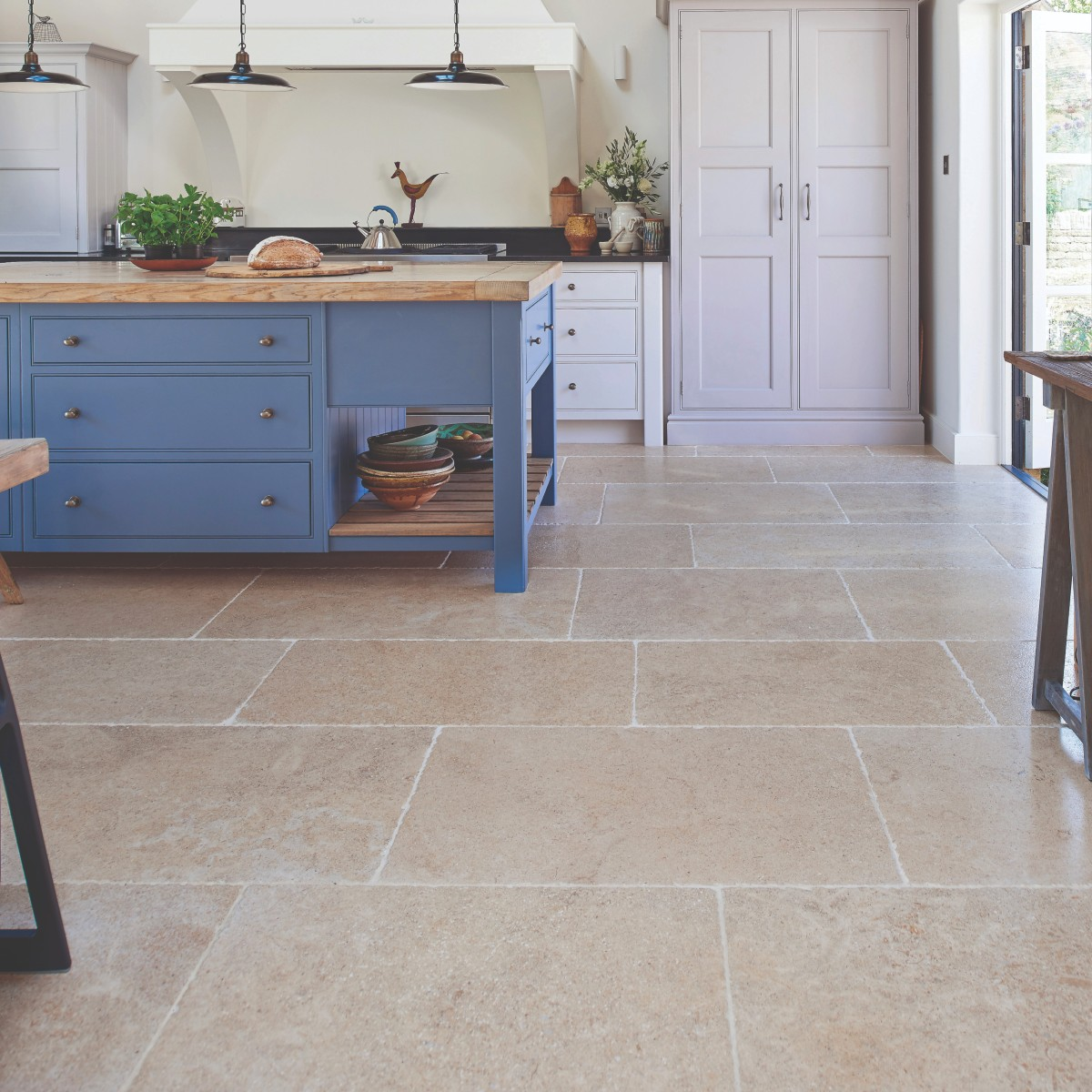 Calcot Limestone Tumbled