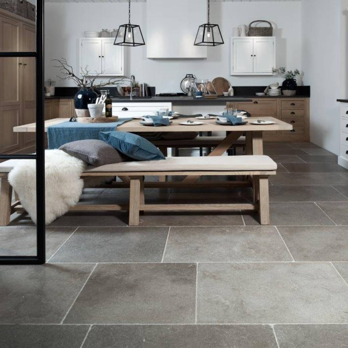 Lucca Limestone Tumbled